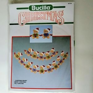Bucilla Bears Christmas Felt Garland Kit - NWOT